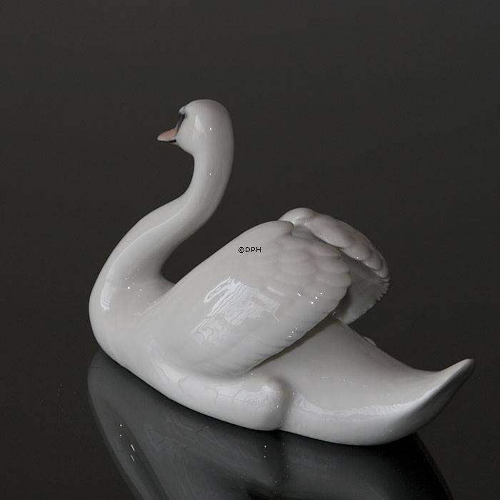 pris svanen stol