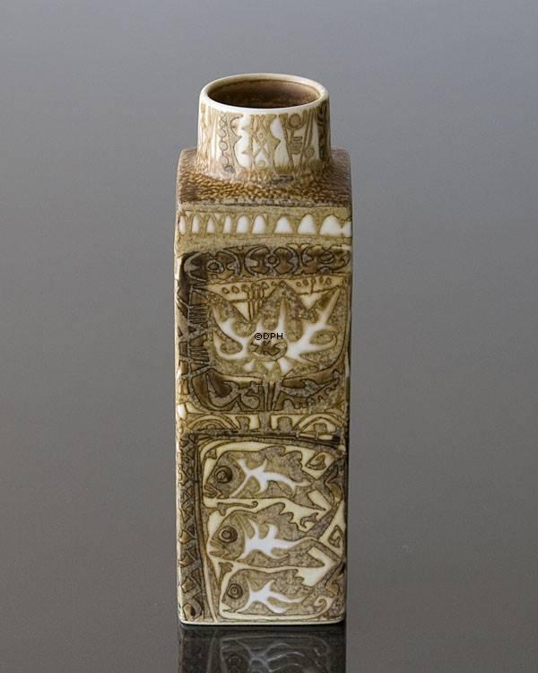 Fajance Vase Af Nils Thorssen Royal Copenhagen Nr R719 3455 F