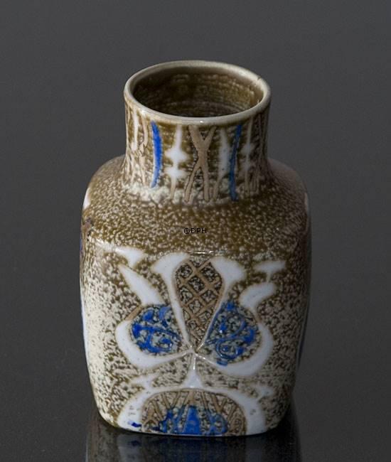 Fajance Vase Af Nils Thorssen Royal Copenhagen Nr R720 3361 F