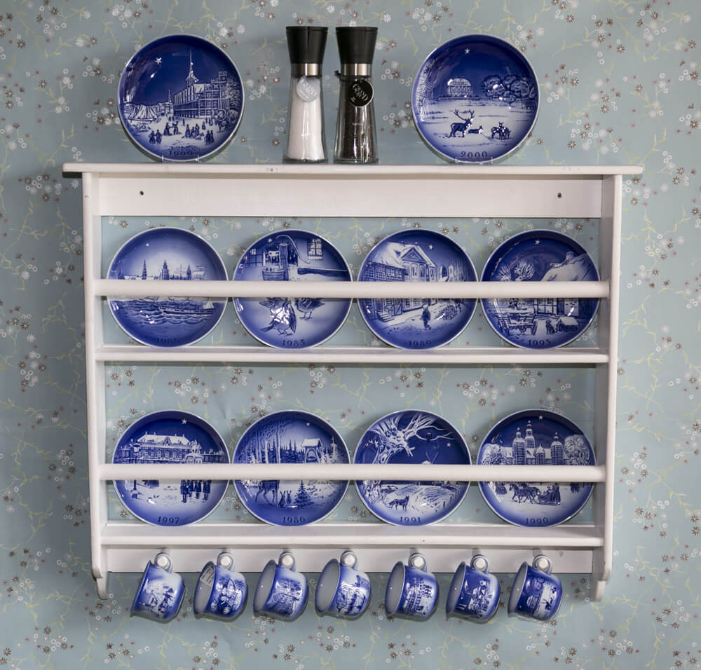 Hans Christian Andersen Tableware